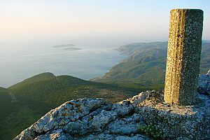 In Rhodes hiking with sea view: exclusive hike on Mount Akramytis in the west