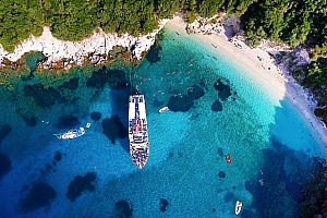 Boat trip from Corfu: visit Blue Lagoon of the Syvota Islands & Parga