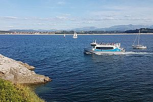 Cultural boat tour from Santander through its bay