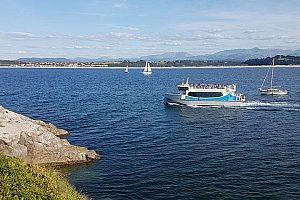 Bootsour in der Bucht Santander