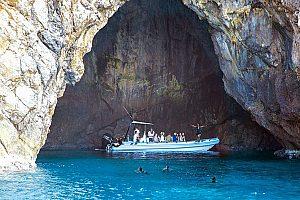 Bootsausflug ab Alcudia zu Höhlen im Naturpark