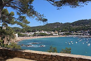 Relaxed sightseeing at the Costa Brava by bus