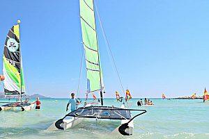 Hire a Catamaran for the day in Mallorca: Catamaran sailing with a skipper from Playa de Muro