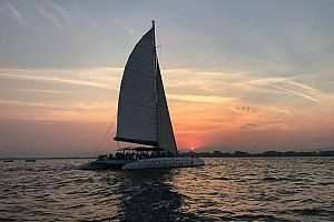 Sunset boat tour Roses: with the catamaran to the sundown