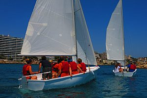 Jolly boat sailing in Majorca: rent a sailing dinghy in Calanova