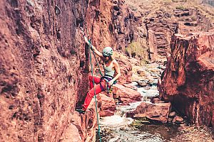 Rock climbing for beginners on Gran Canaria in the gorge of Fataga (south)