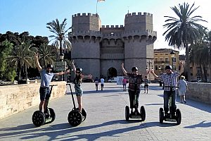Sightseeing on a combined Segway tour in Valencia with bike