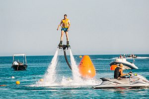 Flyboard Session am Super Paradise Beach