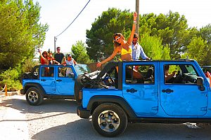 Deluxe Ibiza Jeep Safari on Formentera - with kayak tour, lunch and snorkeling time