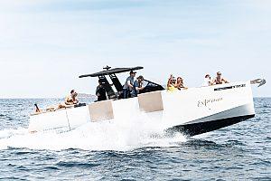 private Wassersport-Yacht auf Ibiza mieten