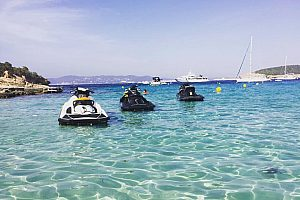 Playa d'en Bossa ride a jetski in Ibiza
