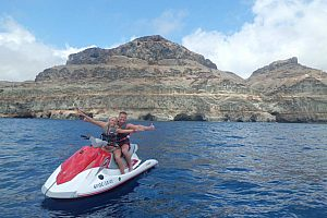 Zu zweit auf dem Jet ski fahren auf Gran Canaria