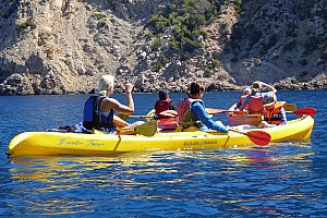 Single- or double kayak rental in Mallorca, Sant Elm in the southwest