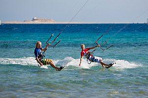 Kitesurf courses in Mallorca north and kite rental at Playa de Muro