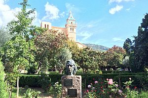Follow Chopin in Majorca: west coast tour to Sóller and Valldemossa