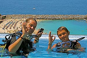 "Diving course in the pool on Gran Canaria - ""Bubblemaker"" for beginners at Mogan"