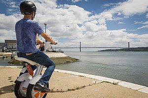 Sightseeing in Lisbon: enjoy a fantastic tour on two wheels