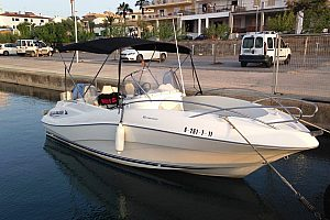 Top-gepflegtes Boot chartern in Mallorca