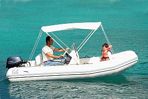 Hire an inflatable boat without a licence in Mallorca (Cala D'Or)