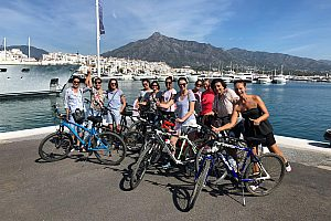 Bicycle tour in Marbella: coast, old town, port