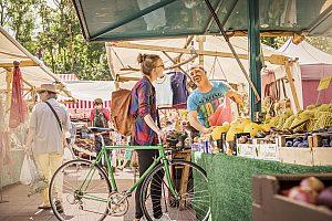 mit dem fahrrad zum wochenmarkt