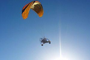 Motorized paragliding on Gran Canaria from Maspalomas in a microlight