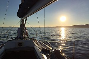 Exclusive: Romantic night on a sailing boat in Vigo with dinner