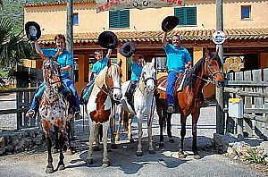 Horse riding in Mallorca: guided rides in the north of the island (Alcudia)