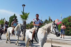 Year-round horseback riding in the Ebro Delta Nature Park starting in Riumar