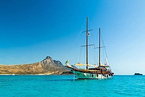 Sailing in Athens: half-day sailing trip along the Athens Riviera
