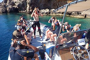 Snorkeling tour with speedboat from Bonaire in the north of Majorca