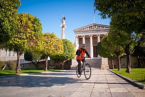 On two wheels through Athens - city tour to the highlights of the metropolis