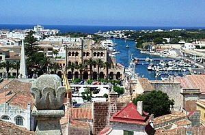 Ciutadella mit Hafen Menorca besichtigen