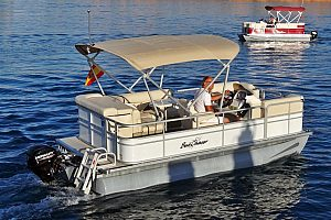 Rent a boat without licence in Port de Pollensa in the north of Majorca