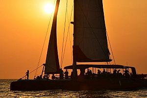 Not only for romantics: sunset catamaran tour from Valencia