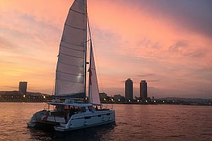 Sunset Tour Barcelona mit dem Boot