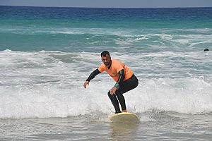Surf school in Fuerteventura's east – group or private lessons