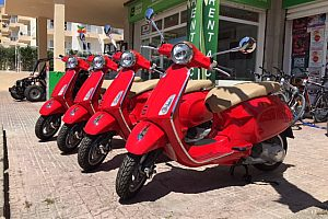 Hire a scooter in Ibiza: scooter rental in Sant Antonio in West Ibiza