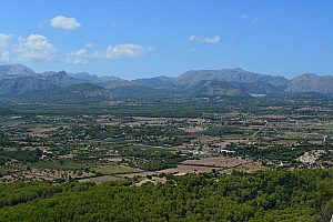 Hiking near Alcudia to the Talaia de la Victoria in Mallorca