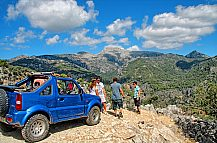 Go off-roading in Mallorca: Jeep safari in the Sierra Tramuntana