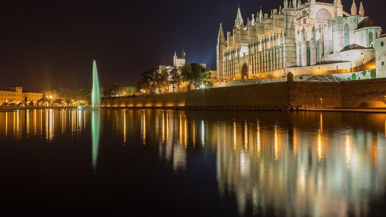 Palma at night