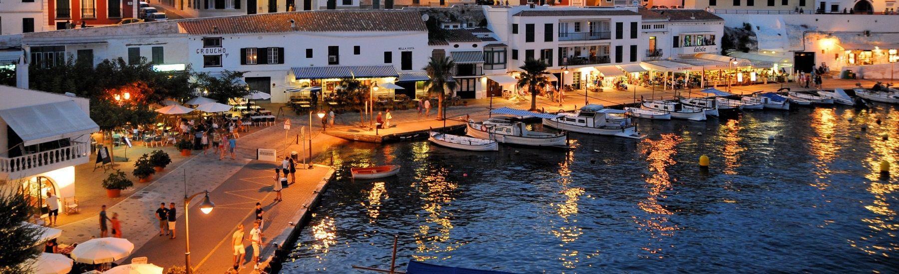 Menorca Hafen am Abend