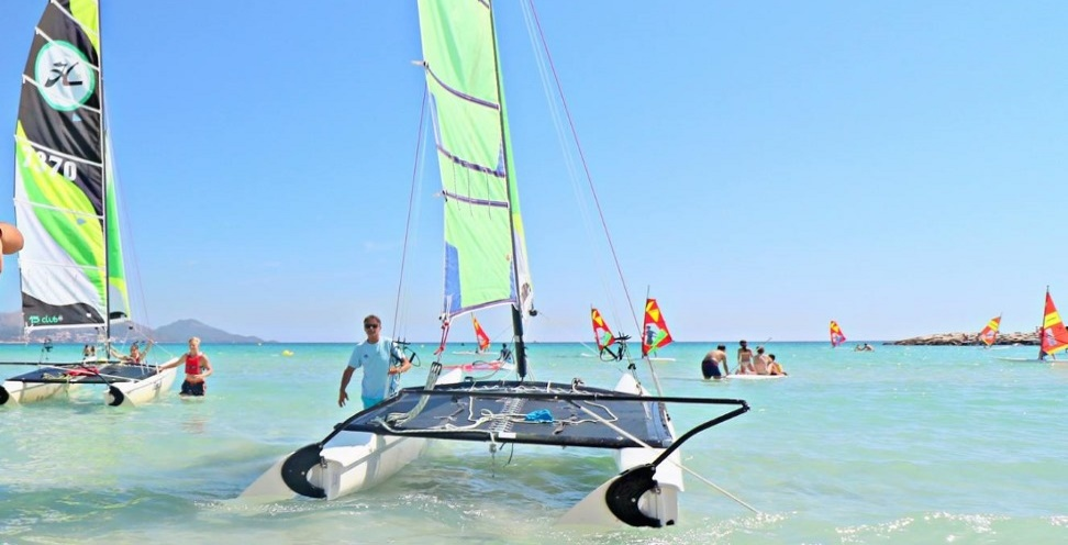 Watersports Majorca cat sailing